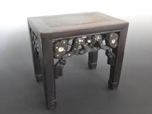 黒檀象嵌台