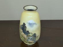 七宝富士松図花瓶